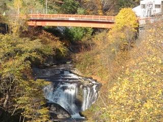 111021-18志幌加別川の滝.JPG