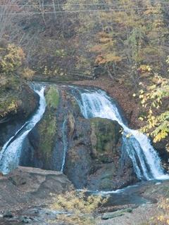 111021-26-2オソウシの滝.JPG
