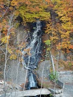 111021-33千鳥ヶ滝の横滝.JPG