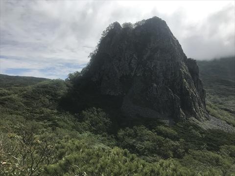 180804-26夕張岳(がま岩).jpg