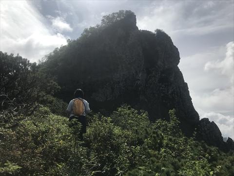 180804-27夕張岳(がま岩).jpg