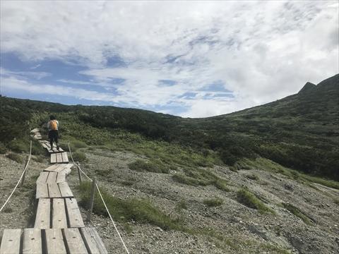 180804-28夕張岳(蛇紋岩崩壊地).jpg