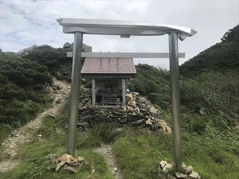 180804-36夕張岳(神社).jpg