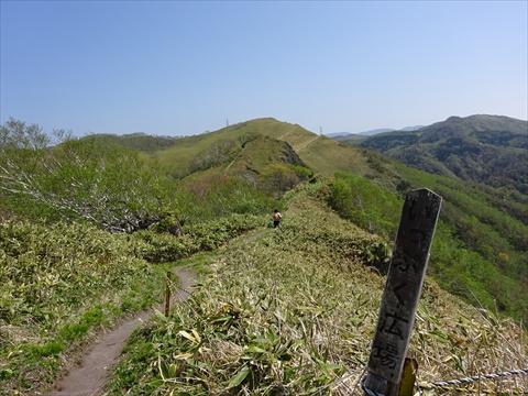 190518-15伊達紋別岳.jpg