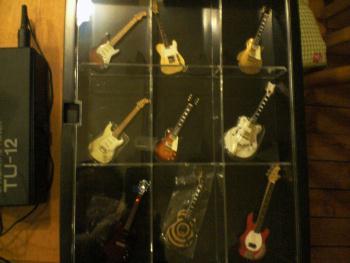 エレキギターの名器フィギア