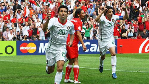 デコの得点で、ポルトガルが先制する