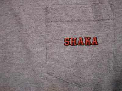 SHAKASTICS Tシャツ