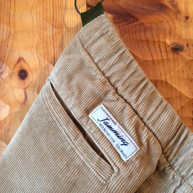 JAMMING CORDUROY CLIMING SHORTS