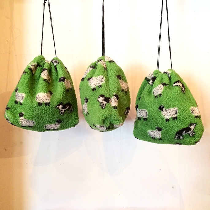 FARFIELD SHEEP FLEECE POUCH 取扱店 FARMHOUSE京都
