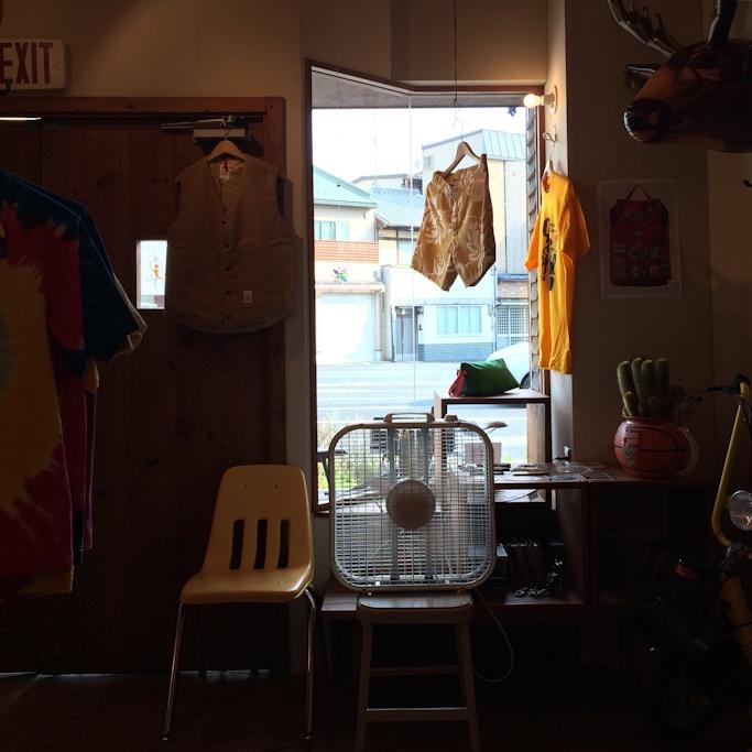 FARMHOUSE京都 SHAKASTICS SIDEWALK SURFER 取扱店