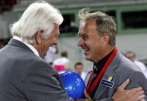 2007年夏親善試合にて健闘をたたえ合うブリュックナーとヒッケルスバーガー