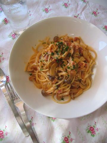 キノコのトマトクリームスパゲッティ