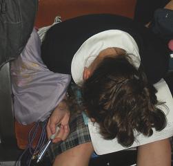 寝ている女子学生
