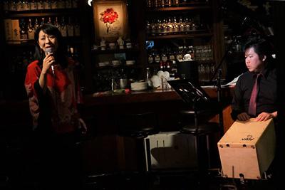 天使のコンチェルト シャンソン 橘妃呂子 佐伯モリヤス カホン パーカッション 打楽器 銀座 ライブ
