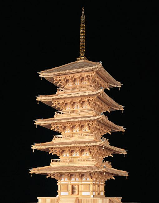 京都、東寺の五重塔の模型