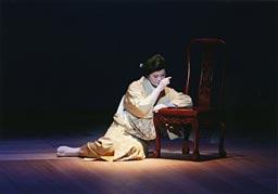 歌謡曲「小夜しぐれ」を踊る小泉月花