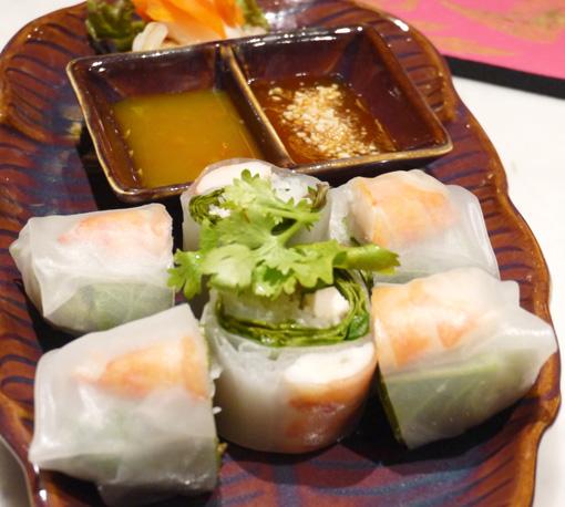 チェディルアン 淀屋橋 CHEDI LUANG タイ料理