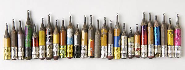 鉛筆の先に彫刻