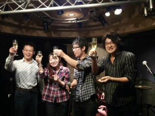 お誕生日の4人・まみちゃん・和尚君・牛ちゃん・東君