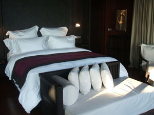 ブルガリ ベッド