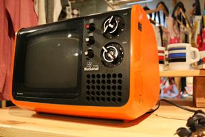 ナショナル 白黒テレビ-2