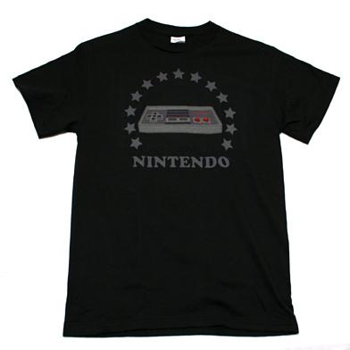 Nintendo NESコントローラーTシャツ