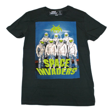 スペース インベーダー 宇宙飛行士Tシャツ-1