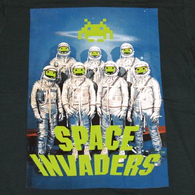 スペース インベーダー 宇宙飛行士Tシャツ-2