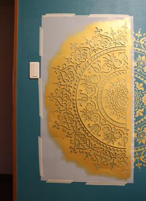 ステンシル 壁 壁紙 塗装 ペイント ゴールド マンダラ