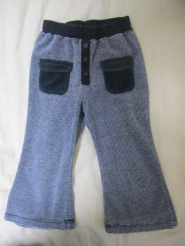 ブランド不明の子供用ズボン