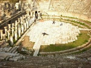 エフェソス遺跡にて死す・・・