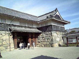 松本城内入り口