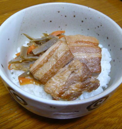 豚バラ角煮丼