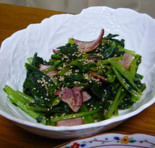 小松菜とベーコン炒め
