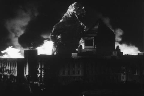 怪物が襲う国会議事堂