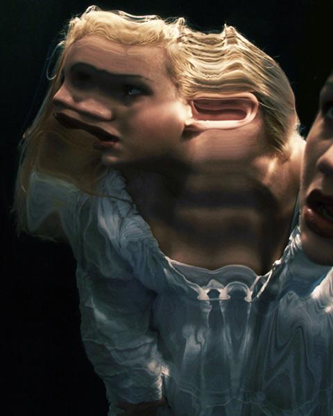 歪んだ鏡1