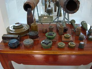 博物館に展示されていた実際掘り出された地雷です!