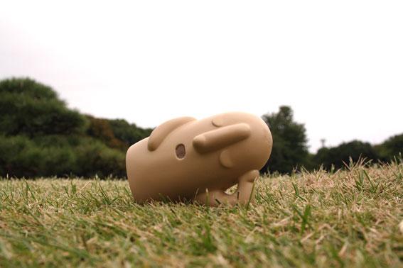 芝生に埴輪