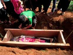 90号 モン族の葬式2−2