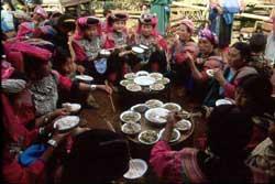 67号 リス族の食事1