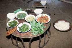 65号 アカ族の料理1