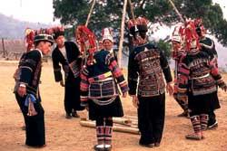 60号 アカ族のブランコ祭り�1
