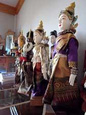家中にあるたくさんの人形たち(中2階)