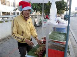 サンタがムーピンを売るなんて…。