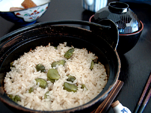 空豆の炊き込みご飯