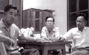 左は船川君、中央土田君、右筆者