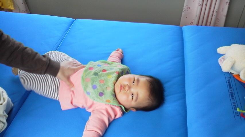 赤ちゃん 股関節 硬い