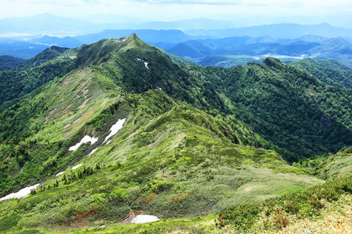 武尊山から剣ヶ峰山までの稜線
