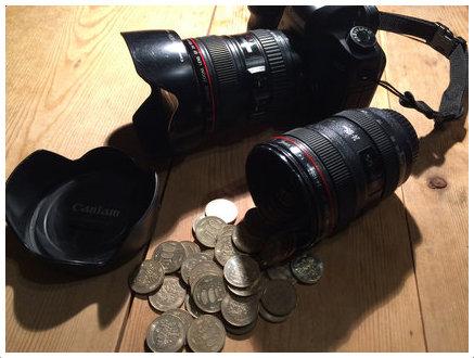 5D Mark ?とEF24-105mm F4L IS USMとLレンズ貯金箱の500円玉