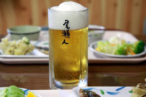 尾瀬沼ヒュッテの夕食と生ビール